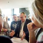 Mensen praten op Nationaal Congres Veilig Voedsel 2019
